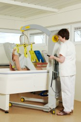Handi-Move  - Mobile hoist 2600 (Victor) , Bathing sling , Bathing sling with head support